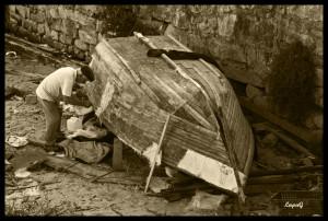 11-Calafetar o barco(BW)