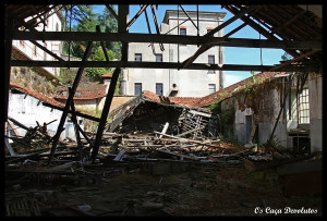 39-Uma das secções em ruínas (CD)